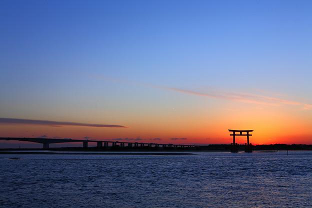 写真: 浜名湖 弁天島 マジックアワー