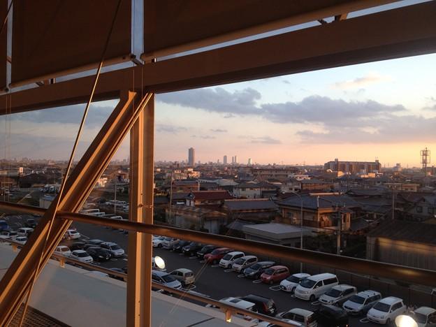 エアポートウォーク名古屋:フードコートから名駅方面を望む