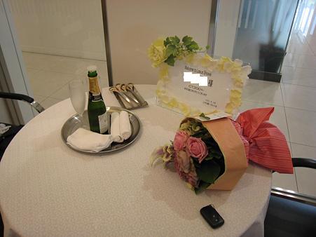 ウェルカムボード゙・シャンパン・花束2
