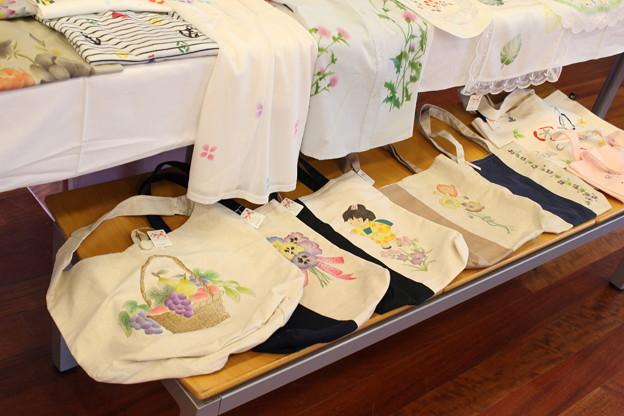 ヤマサ蒲鉾ギャラリーで合同作品展2