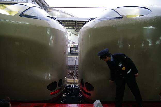 s4709_サンライズ_岡山駅で列車分割