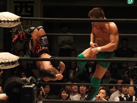 ドラゴンゲート オープン・ザ・ドリームゲート選手権 望月成晃vs戸澤陽 20111012 (11)