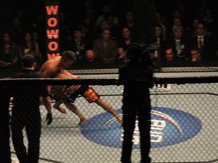 UFC 144 ジェイク・シールズvs秋山成勲 (6)