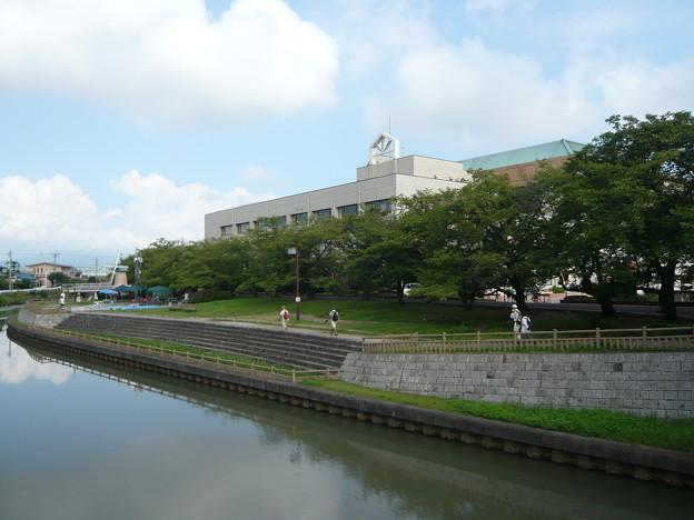 P1230561弥冨市歴史民俗資料館へ