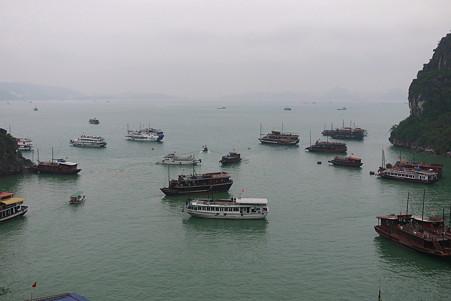 2012.03.11 ハロン湾 船