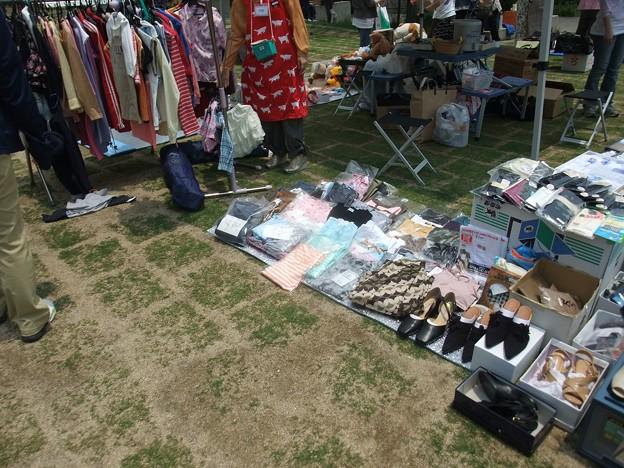 Photos: 洋服・クツ・婦人コーナー
