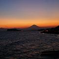 Photos: 薄明かりの鎌倉の海!(110910)
