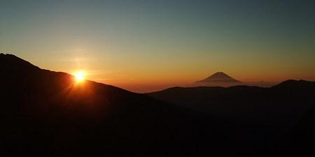 富士山と朝日。荒川小屋