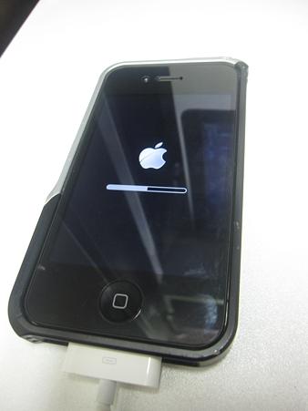 iPhone4S 脱獄 リンゴとバー