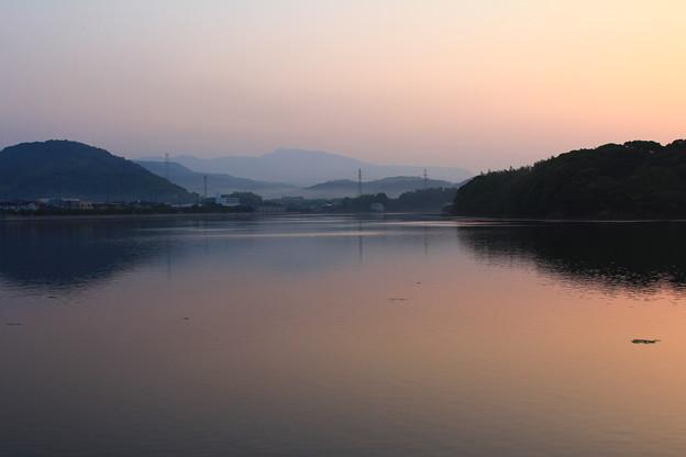 朝の大村湾