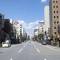 Photos: 人形町通り。例年なら桜並木...