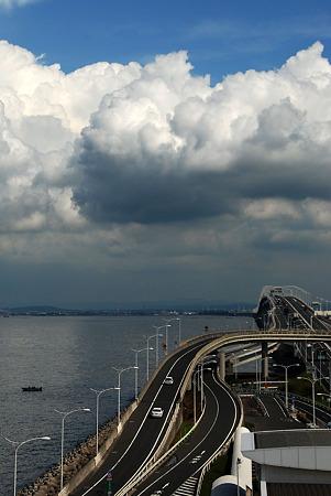 入道雲とアクアライン