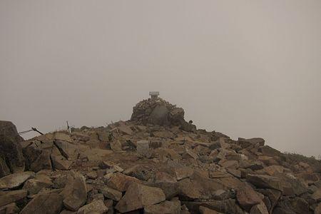 111009-153758 山頂が見えた