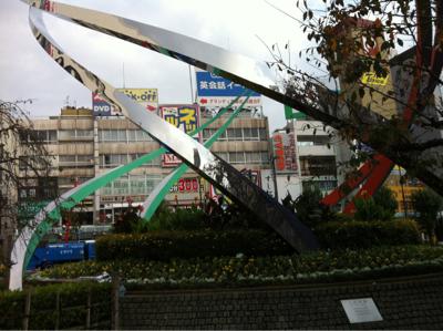 蒲田駅オブジェ横