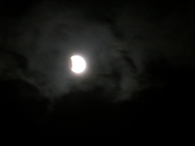 Photos: 2011.12.10 皆既月食のはじまりはじまり~